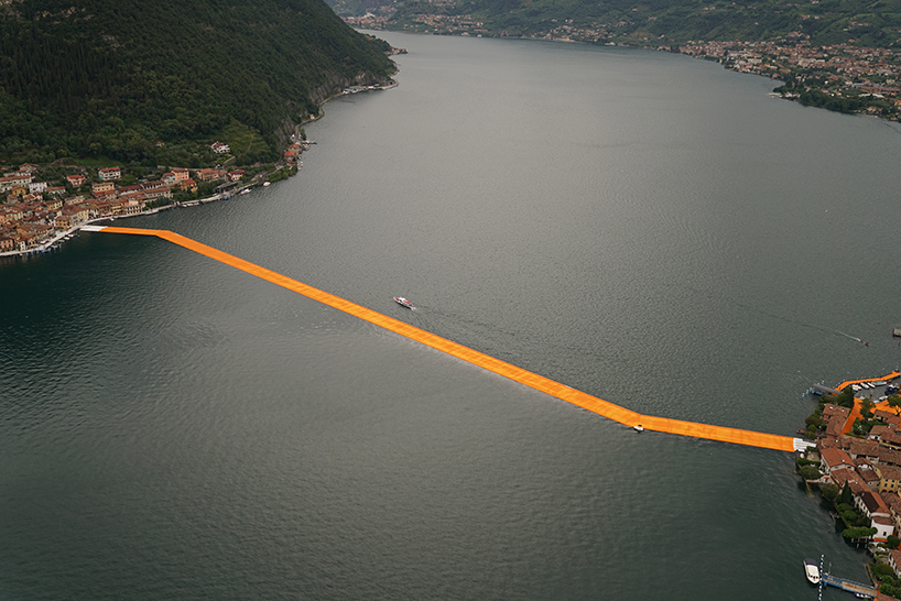 christo-and-jeanne-claude-floating-piers-lake-iseo-italy-designboom-03